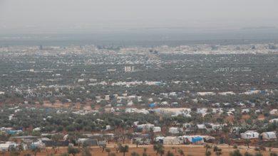 Photo of بمساحة تتجاوز مساحة مدينة اعزاز، آلاف الخيم تنتشر على سفح جبل برصايا.